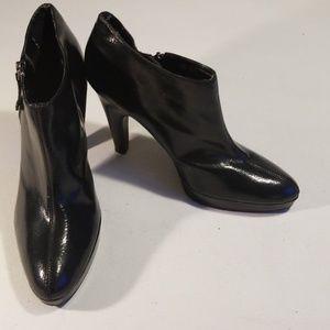 "Black Feaux Leather Isaac Mizrahi 4.5""heels zipper"
